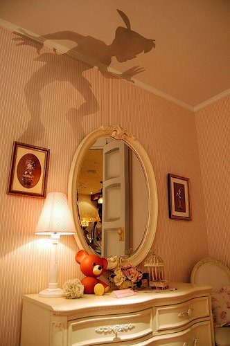 startingwiththeletter:  Peter Pan's shadow painted onto a bedroom wall.