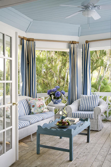 (via Florida Beach Cottage | Inspiring Interiors)