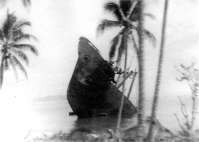 greatestgeneration:  Ship beached 18 Nov 1942 Guadalcanal