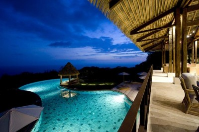 Luxurious Hideaway: Villa Mayana in Costa Rica  ::::: tell me this doesn't make you wish you won the lotto max?