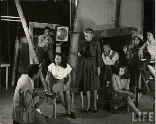 Howard University theater students photographed in 1946 by LIFE magazine photographer Alfred Eisenstaedt.