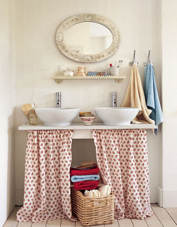 gardenviewcottage:  (via this is a shower curtain | Milk and Honey Home)