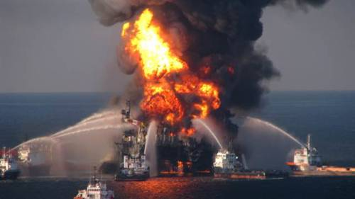 thepoliticalnotebook:  BP will resume drilling in the Gulf of Mexico as early as July According the Financial Times report:  BP will resume drilling in the Gulf of Mexico as early as July, less than 15 months after its disastrous accident there that killed 11 workers and led to the worst offshore disaster in US waters.  The UK oil group has struck a deal with US regulators under which it will be allowed to drill 10 existing wells that were under way before the accident and which it needs in order to maintain or increase production on existing platforms, according to sources familiar with the situation. BP declined to comment.    Above: The Deepwater Horizon oil rig burns. April 21, 2010. Photo Credit: AP via MSNBC Edit: this post originally stated that the photo was from April 21st, 2011. Obviously it isn't since I can't time travel. Thanks to Kateoplis for catching it.   elevplads aalborg - elevplads aalborg cykelmekaniker søges - cykelmekaniker søges kastruplufthavnsudenrigsankomst - kastruplufthavnsudenrigsankomst