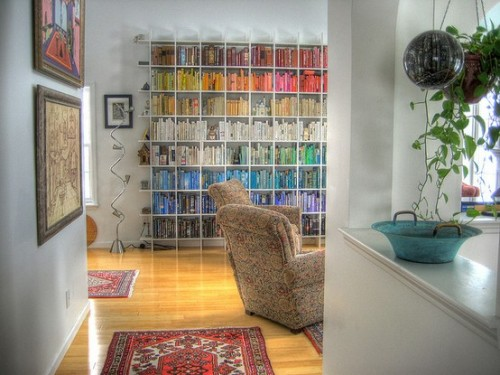 (via Organizing books by color is so pretty.)