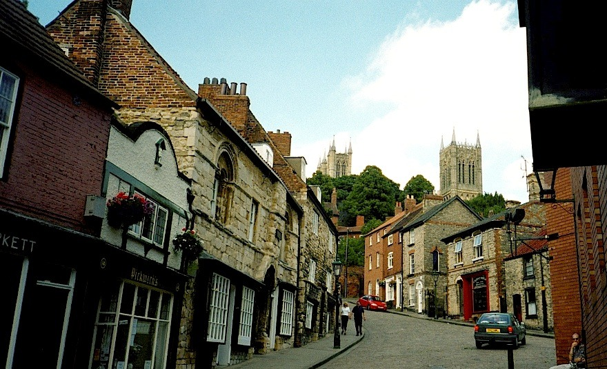 ysvoice:  | ♕ |  Steep Street hill, Lincoln, England | by David darius bijan