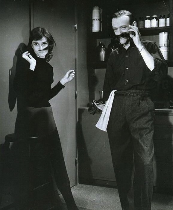 awesomepeoplehangingouttogether:  Audrey Hepburn and Fred Astaire