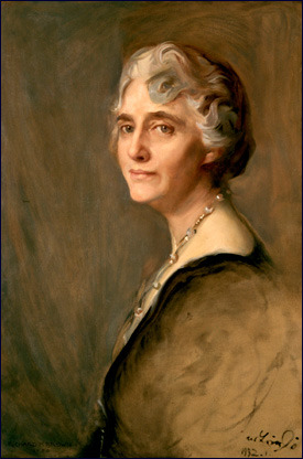 US First Lady Lou Hoover (1874-1944) -Desegregated White House functions -Only First Lady (so far) to speak an Asian language.  Sometimes Herbert and Lou would speak Chinese to foil eavesdroppers. -Along with her husband, she translated  Agricola's De Re Metallica from Latin. It is still the standard English translation today.   -Decorated by King Albert I for her work with Belgian refugees during WWI -First women to receive a geology degree from Stanford University -Advocate for Girl Scouting