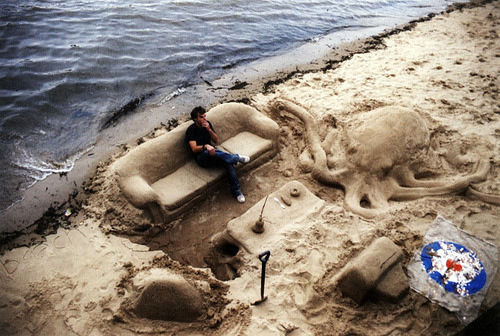Sand art is the coolest overlooked art form ever.