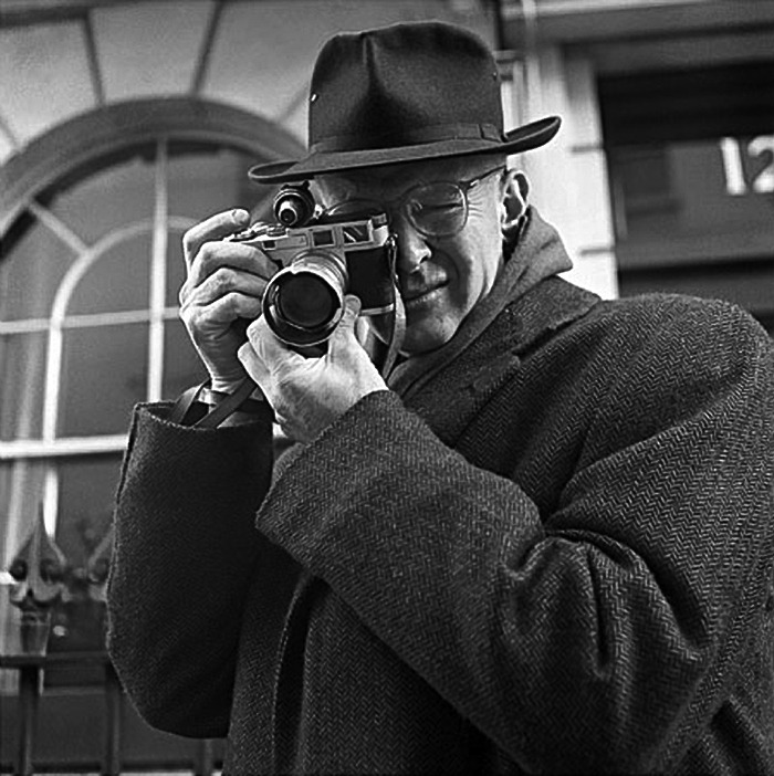 Henri Cartier Bresson with his Leica  darkmindbrightfuture:  Source   via ilovemyleica