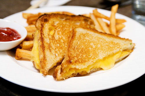 areyouhigh:  obsessed with grilled cheeses….