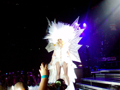 fuckyeahladygaga:  Monster Ball Auckland, New Zealand Submitted by fastcarshootingstars  I effing love this dress!