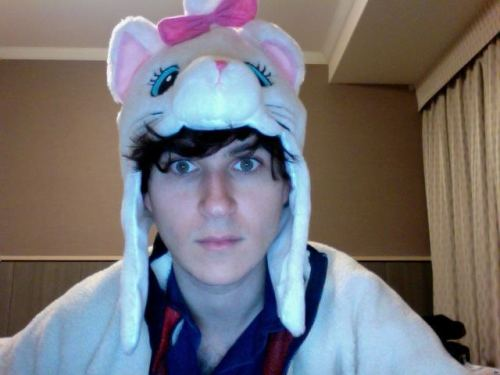 arzE: some of u didn't believe i was a cat 4 halloween