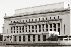 Manila Central Post Office by the great Juan M. Arellano. LINK: http://arkitektura.ph/?p=buildings&view=3