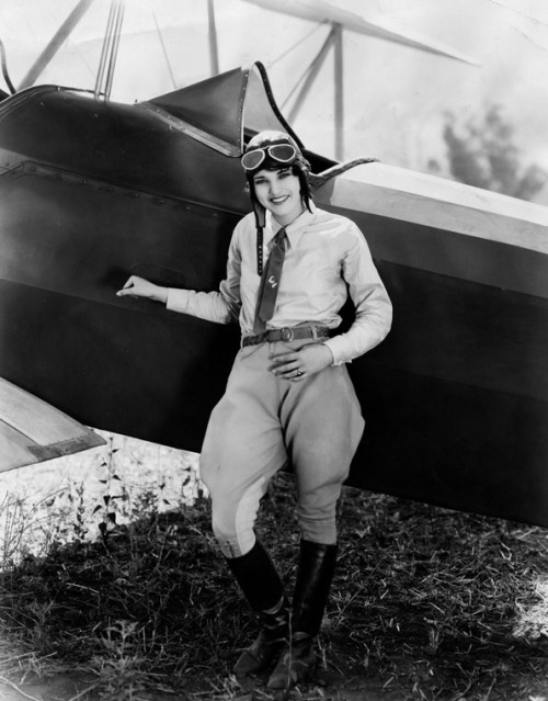 Aviatrix Ruth Elder (1902-1977)