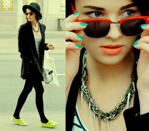 love so many things about this - neon shoes, turquoise nails, red-rimmed sunglasses, over-sized coat over leggings, her pretty eyes…