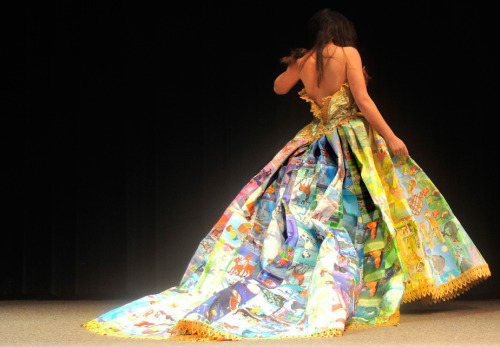 prettybooks:  Storybook gown constructed entirely out of recycled and discarded children's Golden Books. (Submitted by starrystarryday)