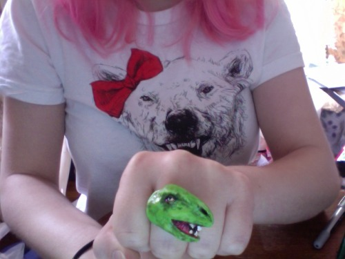 Playing around with polymer clay: Stupid dinosaur rings.