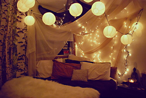 isme-evgeni:  beautiful  I am redoing my room, and I'm sooo tempted to put Christmas lights in it like this…