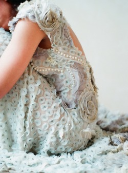 modernepress:  Such amazing detail on this Claire Pettibone gown…