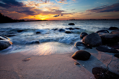 sealust:  Punggol Beach (by JPR123)  WOW! I didn't know Punggol Beach looks that nice. #fb