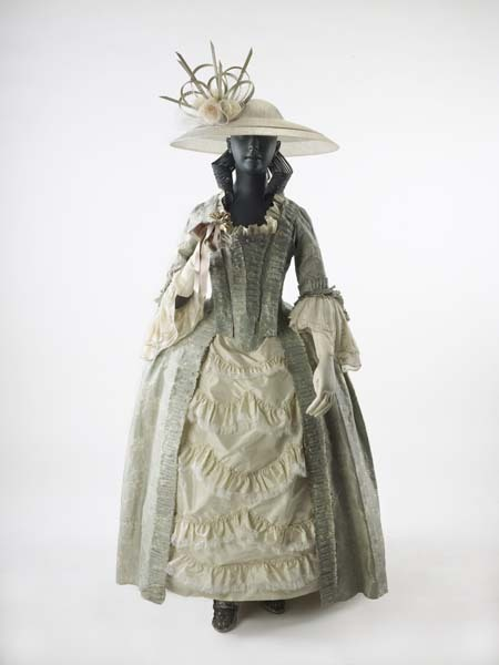 oldrags:  Dress ensemble, 1752-75, Museum of London