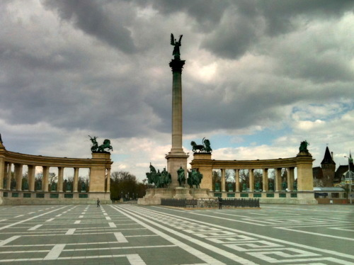 Heroes' Square. We don't make monuments like this anymore.