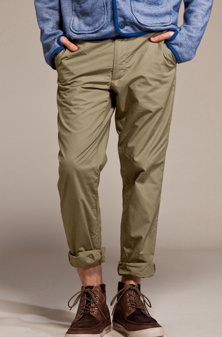 nickelcobalt:  (via Woolrich Woolen Mills Ranger Broad Cloth Pant in Olive) tell daiki that i want my fuckin swag back