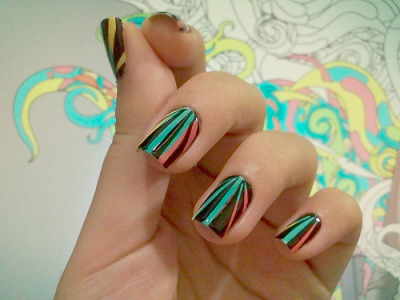 O! I like this!!! I'm totally try this soon!!!!   nailartgallery:  Source: gimimimi