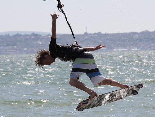 fyeahextremesports:  Kite surf 8 (by nagumbe)