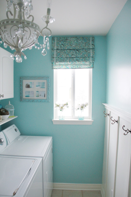 wish my laundry room looked like this!