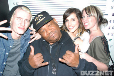 "Hanging at Angels & Kings LA with Buzznet & FTSK. I love Robi. I ""wanna go back to the weeeesssst coast…. dun nah nah"""