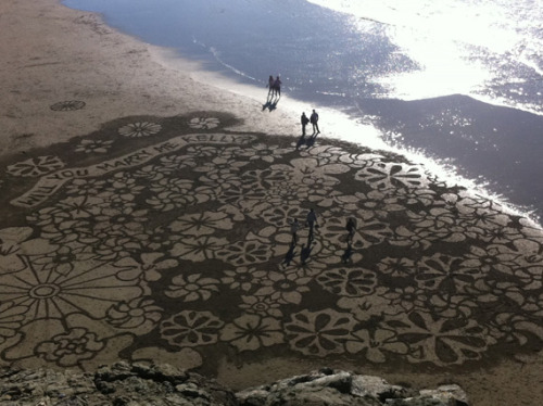 Wedding Proposal Sand Art at Ocean Beach, San Francisco I really hope Kelly said yes. She's one lucky lady. (via 7x7)