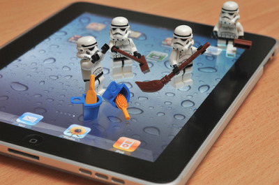 fystarwars:  iPad screen cleaner   (by Kino.C)