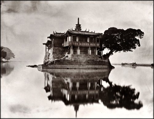 invisiblestories:  Island Temple On The River Min Near Foochow, Fukien Province, China 1870-1871  by John Thomson (via firsttimeuser)