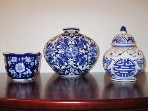 "Some Thursday chinoiserie! (From my post, ""Blue and white LOVE!"")"