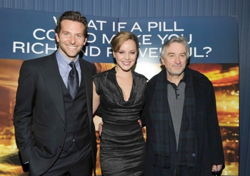moviestarspace:  Limitless Premiere: Bradley Cooper, Abbie Cornish and Robert De Niro.  So deliciously tall!!!