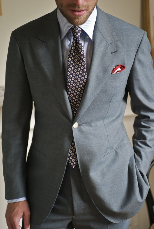 ethandesu:  Wide Peak Lapel For PCJ.