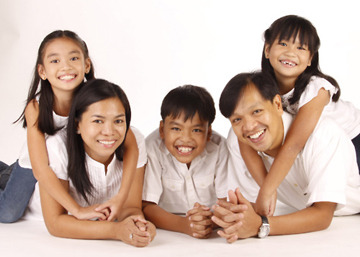 My kids had fun in our pictorials. We're satisfied and looking forward to our next photo session. More power to THE PICTURE COMPANY!!!!   Lizel Mariano April 2011