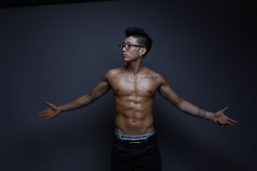 Jay Park!  Look at his abs ~ woohoo~! ^^