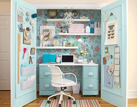 artpixie:  (via How to Turn a Closet into an Office - Closet Makeover - Country Living)