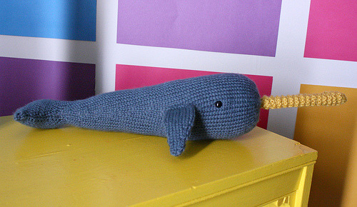missviciouslovestoknit:  Hand Knit Narwhal (by Eleanor por favor)