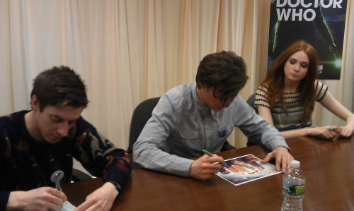 justaguywitharrows:  OMG  Arthur, Matt, and Karen at the B&N NYC signing!