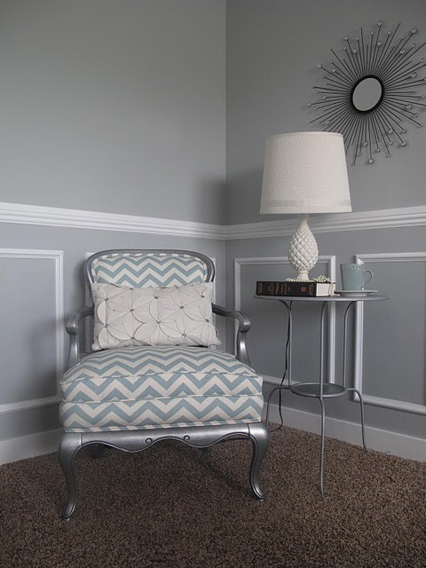 (via Little Miss Penny Wenny: Chevron Chair)
