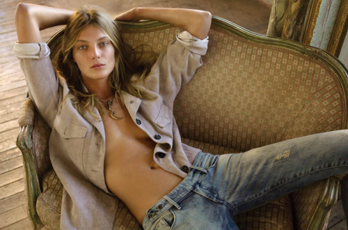 Couch Love, Vol.3: Natural Woman, Daria Werbowy, poses for FASHION, May 2011, photographed by Alex Cayley