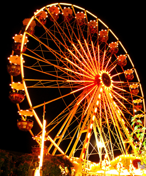mimirol:    Spinning Ferris Wheel - Fellbach, Germany