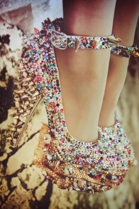 So much sparkle! Now these are my kind of heels!