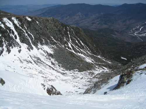 Places I'd rather be standing: top of Left Gully, Tuckerman Ravine, NH. (via rachelv)