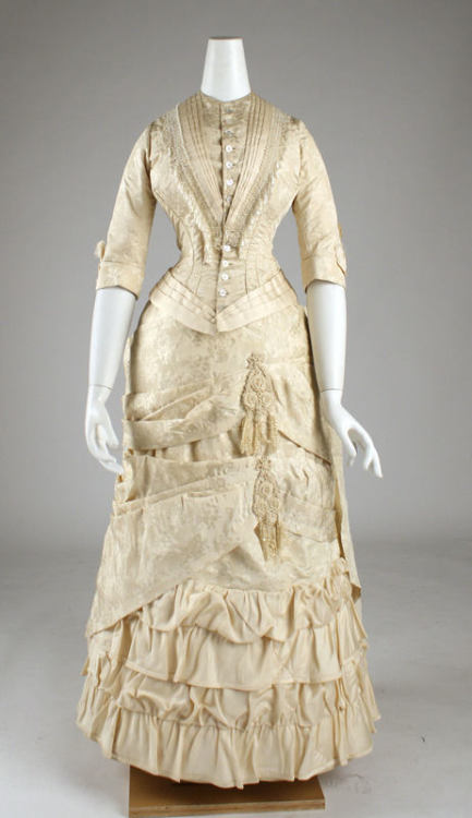 Dress ca. 1881 via The Costume Instititute of the Metropolitan Museum of Art
