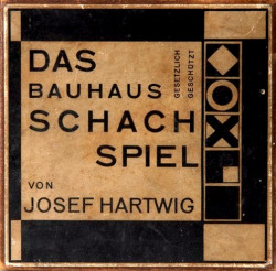 bartleby-company:  Original package design for Josef Hartwig's Bauhaus chess set (1923)