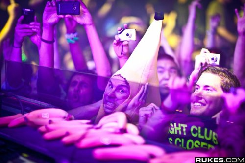 #WINNING. Saw this gem while browsing Dada Life's Facebook picture albums.Photo by: Rukes.com Electronic Music Blog